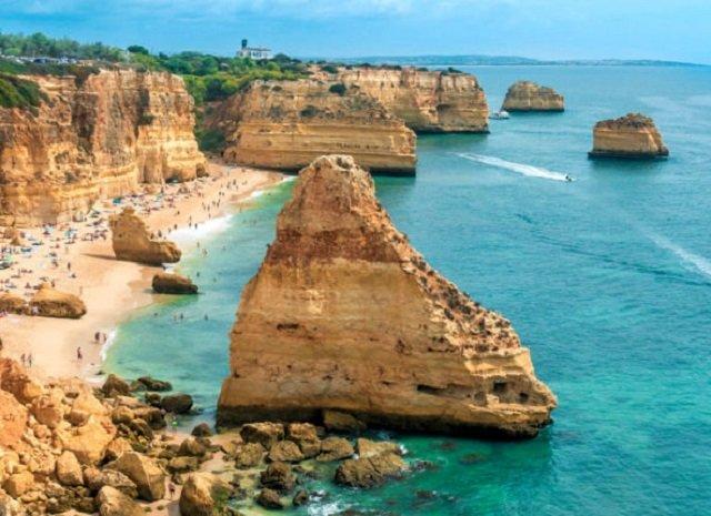 Praias mais turísticas do Algarve